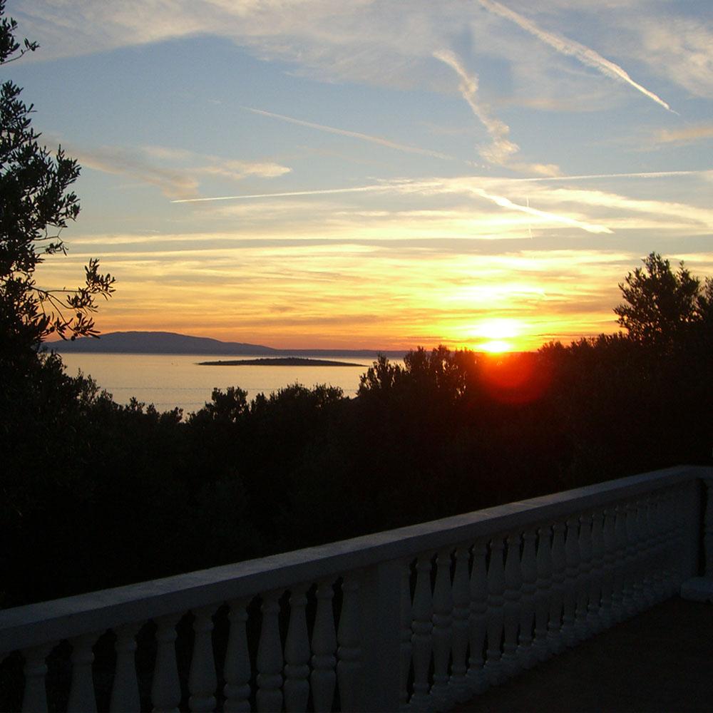 pogled na more iz apartmana pag